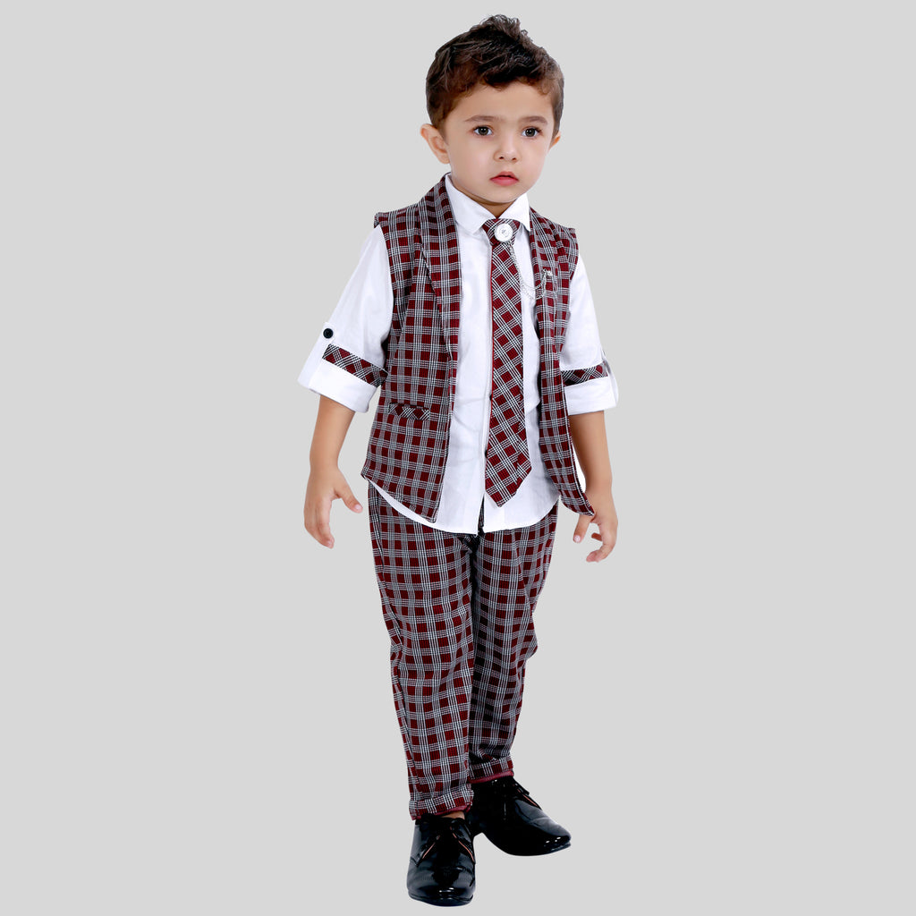 ELEGANT OUTFIT WITH WAISTCOAT, BOTTOMS AND SUITING