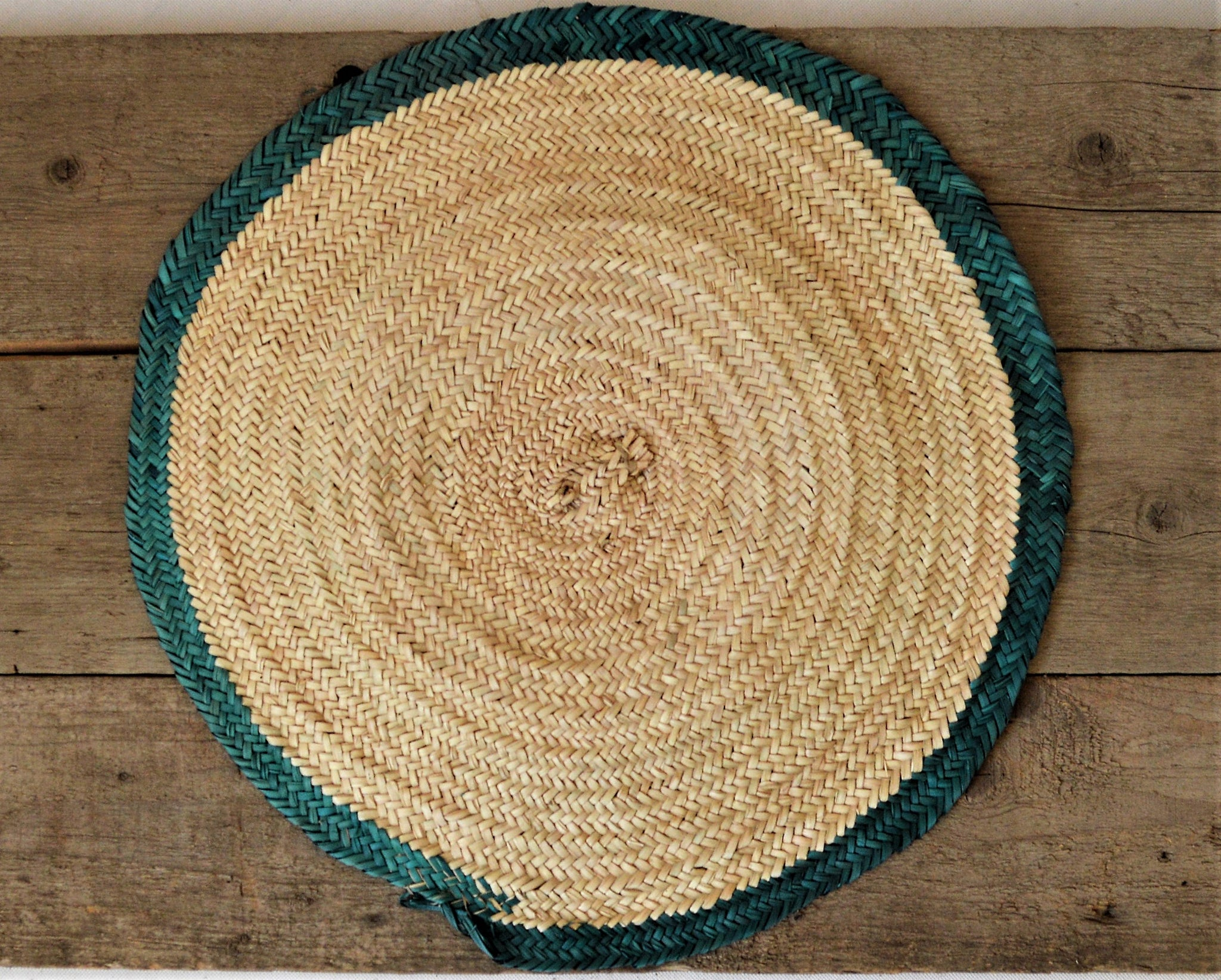 Large round straw mat for kitchen table top natural palm leaves