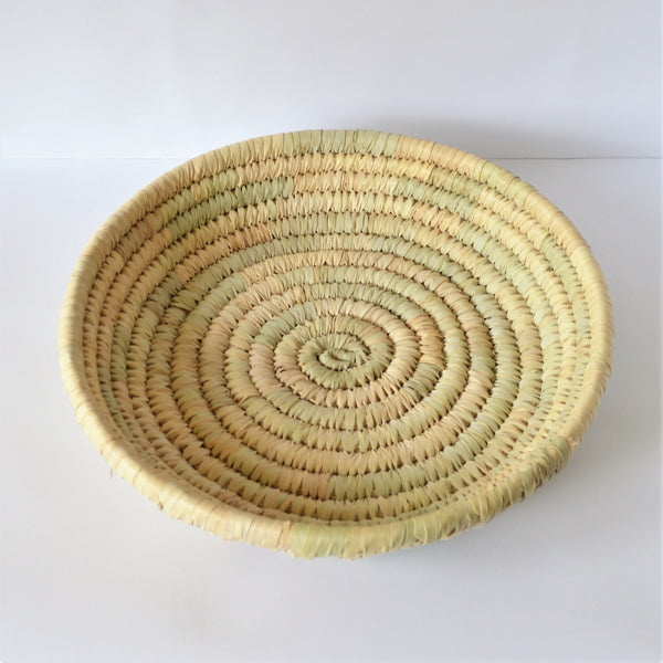 Woven bread or fruit plate