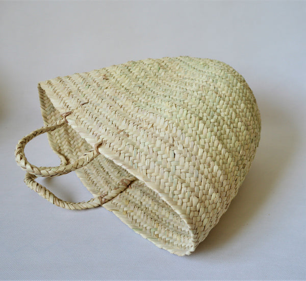 Natural straw basket for storage and shopping