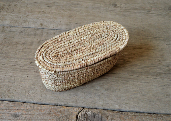 African straw box, Palm leaves box