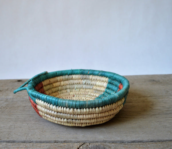 Hand woven bowl, Africa straw plate