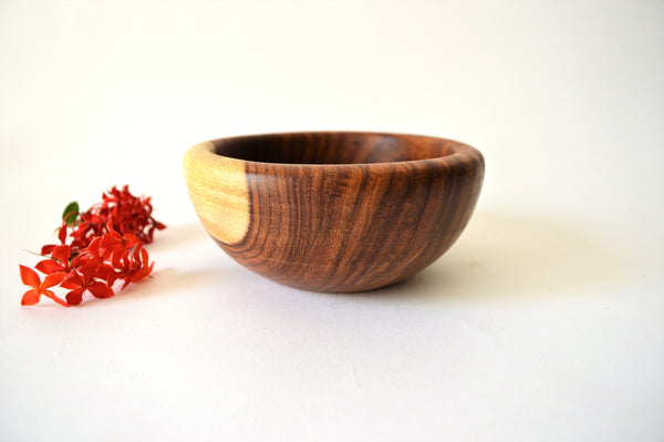 Hand-turned noodle / soup bowl