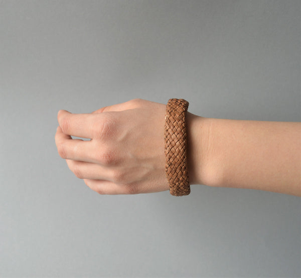 Leather & palm leaves bangle