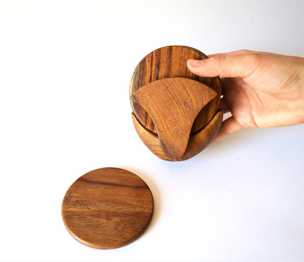 Ginko flower wooden coaster set