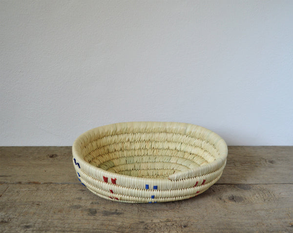 Big oval woven plate from palm straw Egyptian product