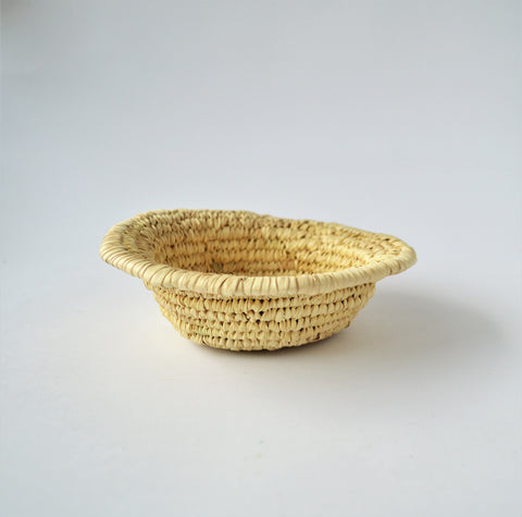 Small woven bowl, straw coin / jewelry bowl