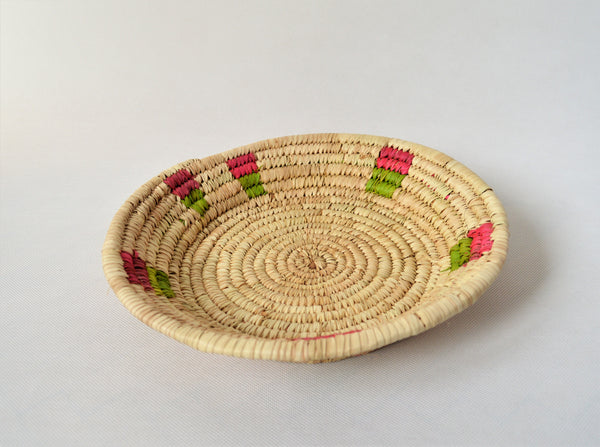 Wide fruit plate from Nubia Egypt, Palm straw