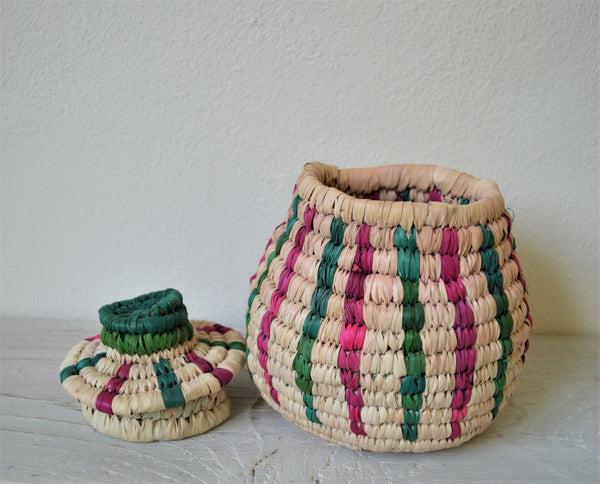 Traditional straw wicker box (green, pink)