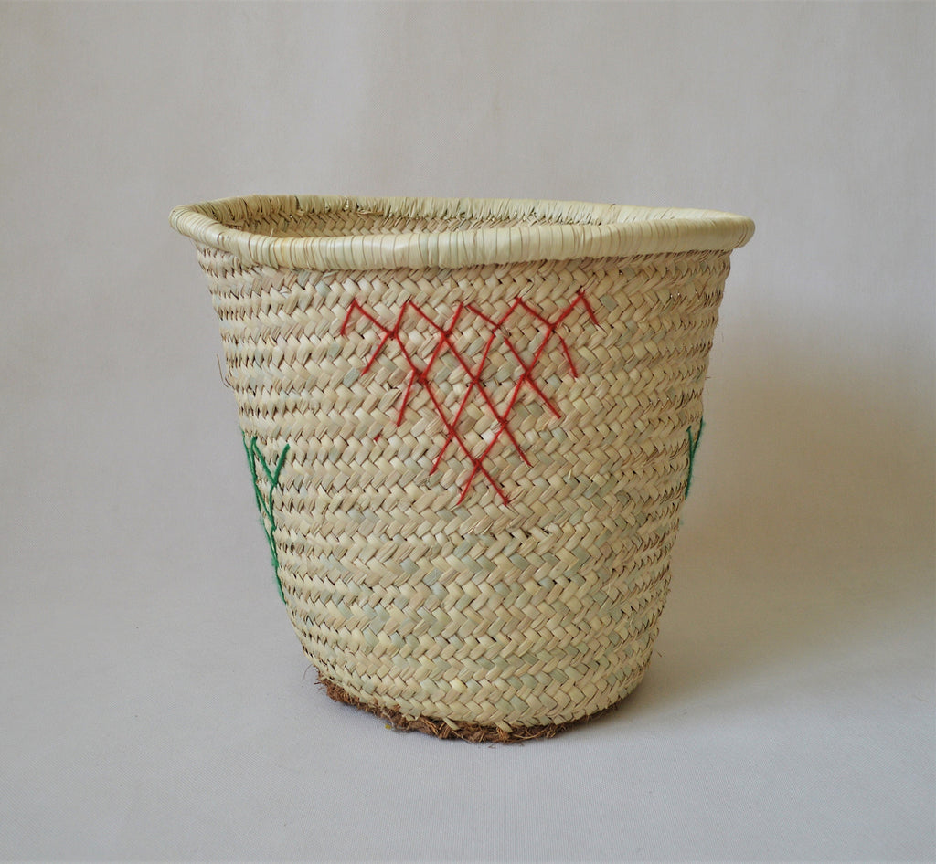 Straw basket, Big basket, embroidered