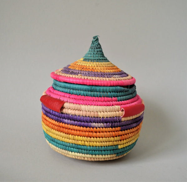 Traditional basket with lid (Pink)