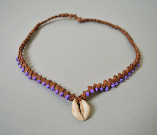 Surfer necklace, Cowrie necklace, colored beads, Braided leather choker