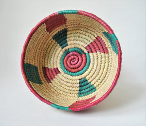 Woven fruit basket (green and red)