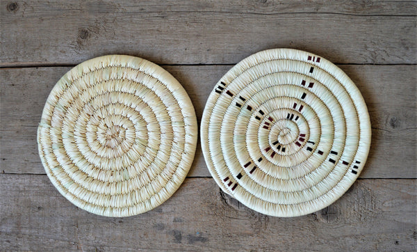 Woven retro trivet, Palm wicker