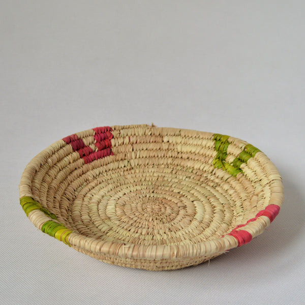 Handwoven tray palm straw