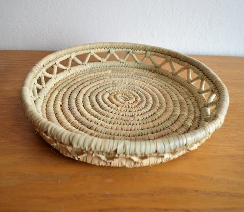 Round bread tray from palm wicker