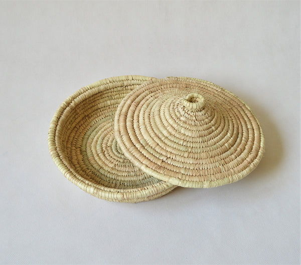 AYASHA Egyptian straw bowls with fitting lid (2)