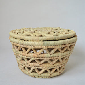 Big straw basket with a lid, Natural wicker Home storage basket