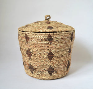 Round rustic basket, Large straw wicker basket