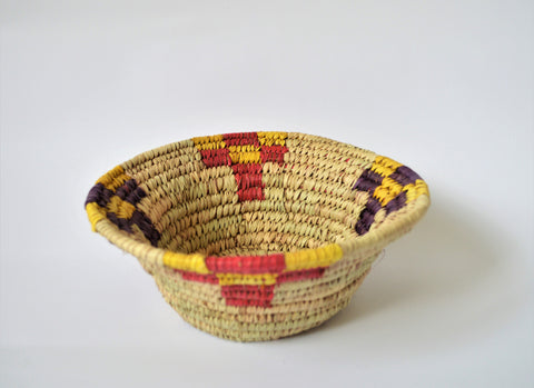 Woven fruit bowl, Traditional straw bowl