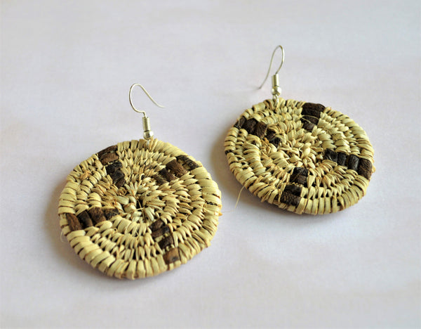 Round earrings palm straw and natural leather