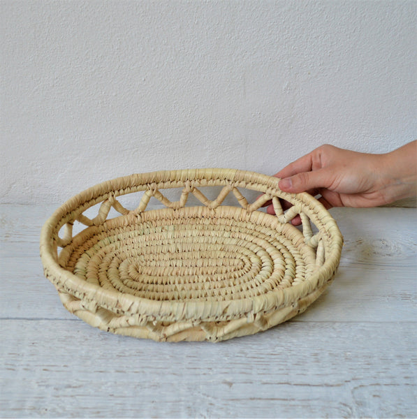 Oval bread tray from palm wicker