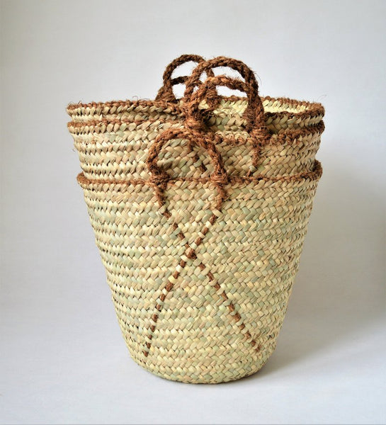 Natural basket bag from palm straw