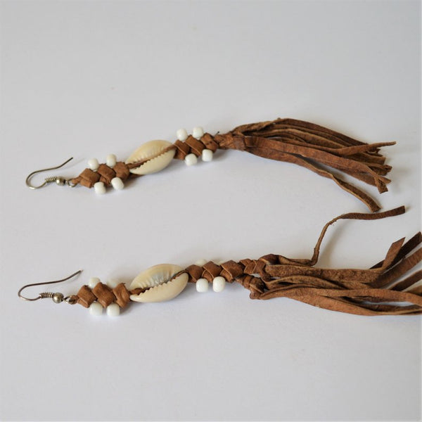 Boho leather drop earrings (White beads)