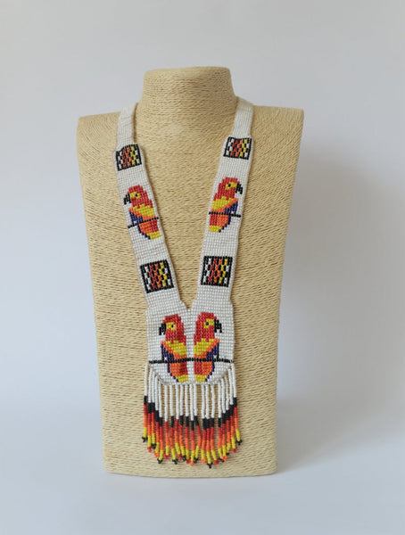 Parrot white beaded necklace
