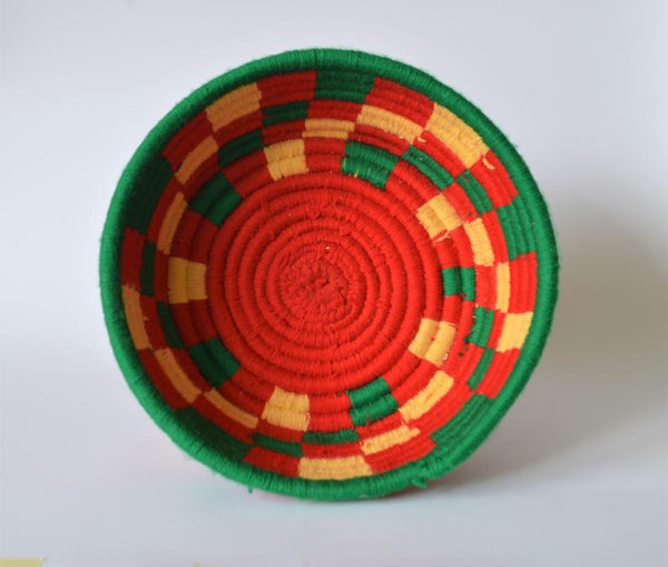 Green and red wool palm fruit plate
