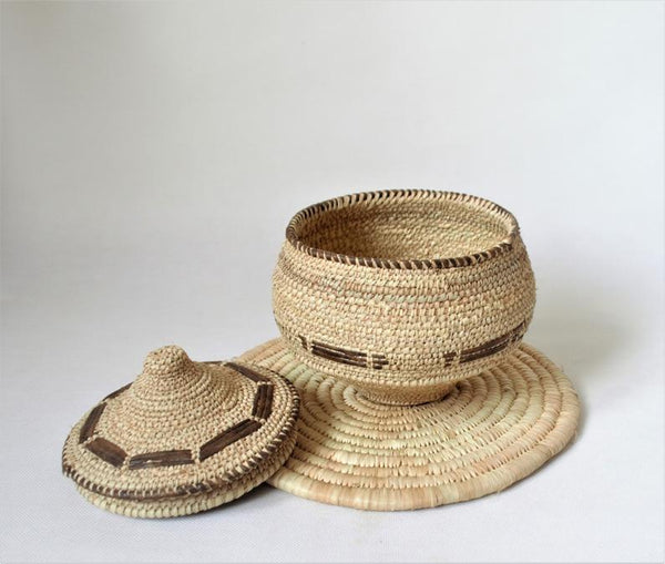 Exquisite woven trinket basket