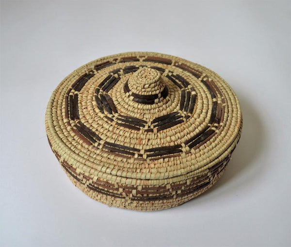 Rustic style Round basket with lid made in Shalateen Egypt, Nomad