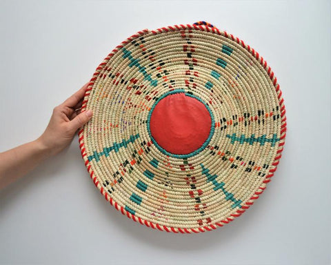 Traditional woven basket (Siwa)