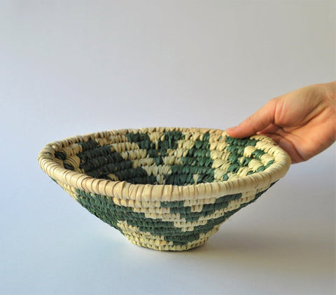 Wicker palm leaf plate