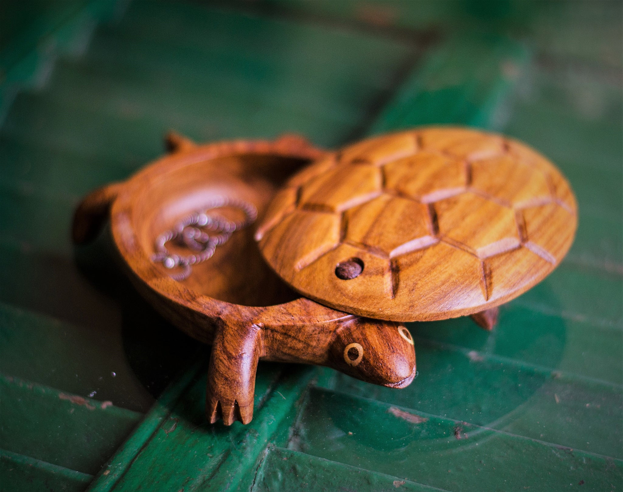 Hand carved jewelry box, Turtle shape