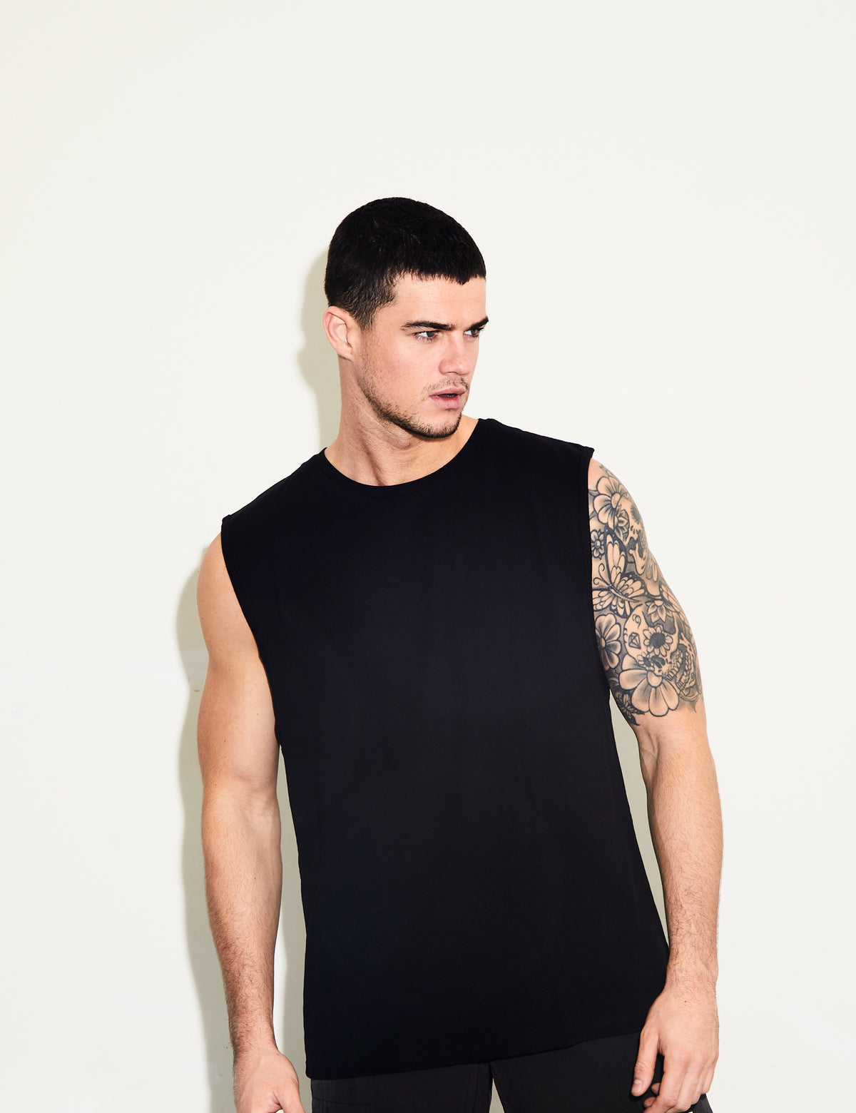 PRAYING HANDS BLACK SLEEVELESS