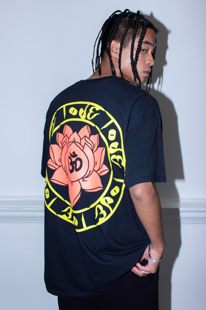 LOTUS LOVE BLACK TEE
