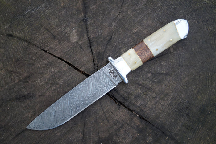 The Art of Damascus Steel Blade Knives