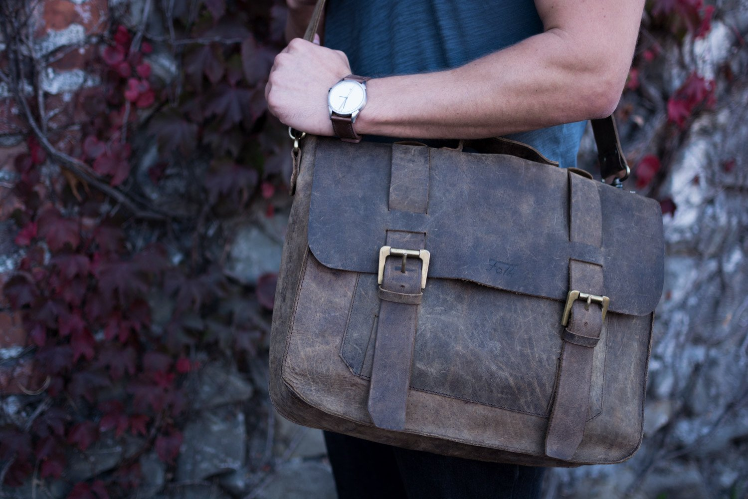 Leather Messenger Bags Built With Craftsmanship