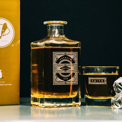 decanter and whiskey glass set