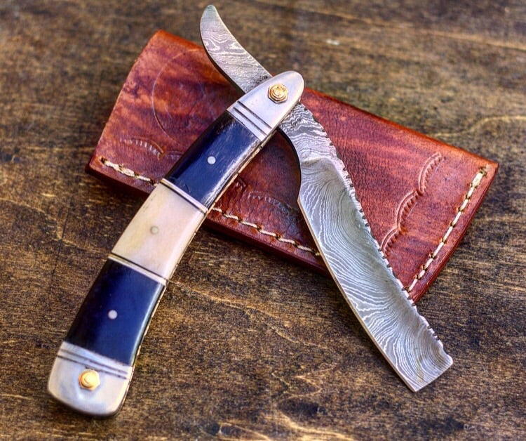 Damascus Steel Straight Razor- VG 17