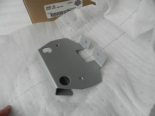 NOS NEW ORIGINAL HARLEY REGULATOR MOUNTING BRACKET 57047-03