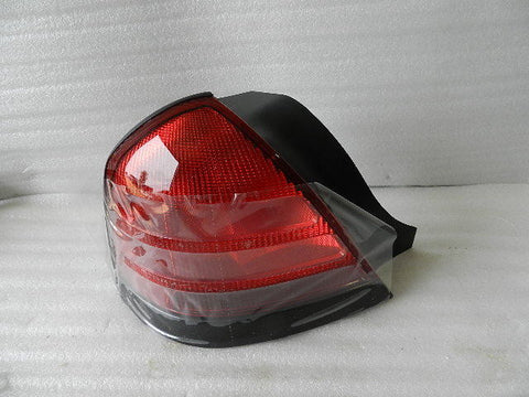 NEW NOS OEM 2000-2011 FORD CROWN VICTORIA REAR TAIL LIGHT 4W7Z-13405-BAC