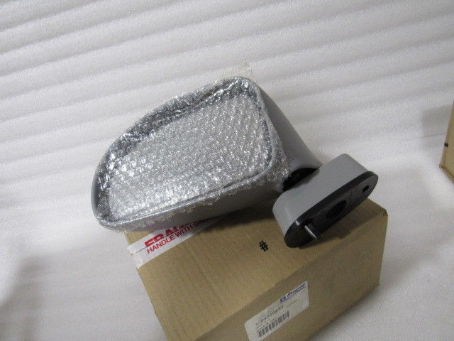 NEW OEM NOS 1992-1998 DODGE VIPER LEFT DOOR MIRROR 4709433