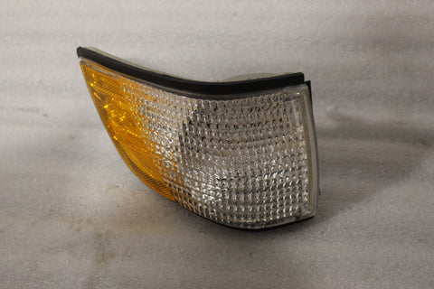 NEW OEM 1991-1995 BUICK CENTURY MARKER LAMP ASSEMBLY 5976093