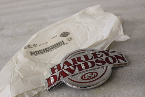 NEW OEM NOS HARLEY FLHT LEFT TANK MEDALLION 62286-05A
