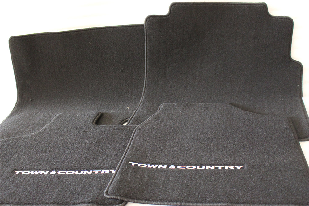 NEW OEM 2011 DODGE GRAND CARAVAN & CHRYSLER TOWN & COUNTRY FLOORMATS 1GV74DX9AC