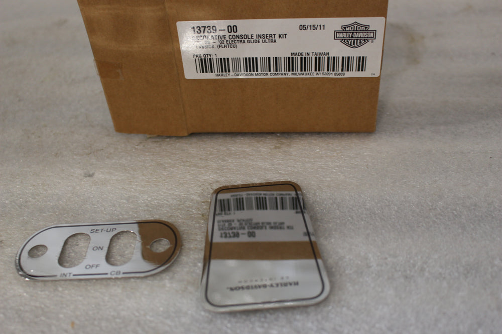 NEW NOS OEM HARLEY DECORATIVE CONSOLE INSERT KIT 13739-00