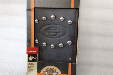 NOS NEW OEM 2004 AND NEWER HARLEY DYNA LEATHER TANK PANEL 91122-04