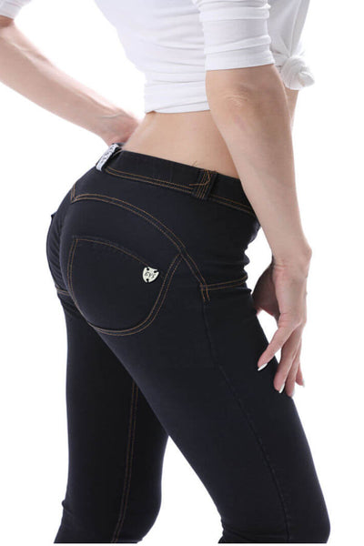 2020 Mid Waisted Black Denim Jeans Lifts & Supports For A Flattering Fit